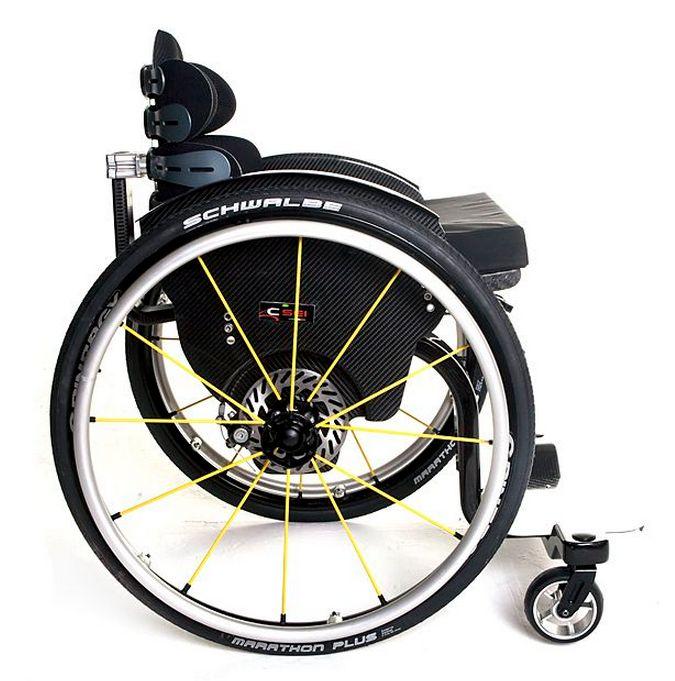 Billede af CSEI Letvægtskørestol (kulfiber) med skivebremser