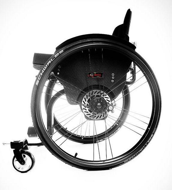 Billede af Demo-model sælges: CSEI Letvægtskørestol (kulfiber) med skivebremser