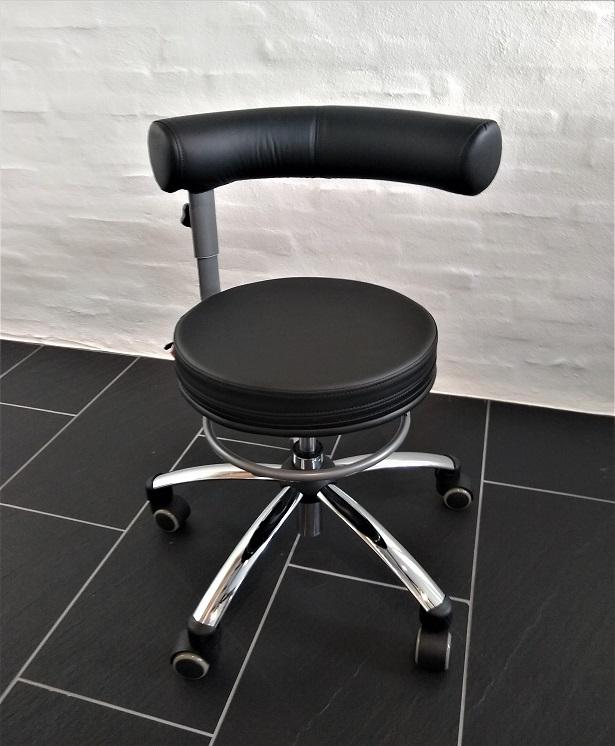 Image of   DEMO-MODEL: Sanus Sundhedsstol i Sort Kunstlæder - 36-42 cm