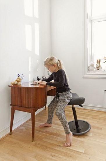 Billede af MOVE Kids - Ståstøttestol til børn