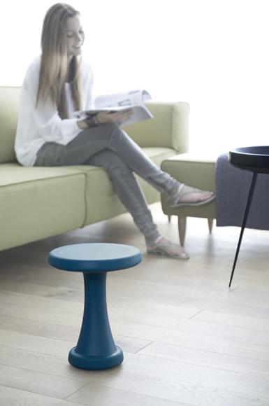 Billede af OneLeg - smart taburet til ude og inde - 32 cm (lugestol eller skammel til børn)