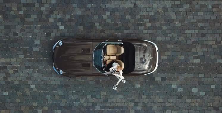 ByAcre Carbon Ultralight Rollator og Jaguar E-type